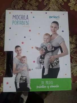 Mochila portabebé marca Priori