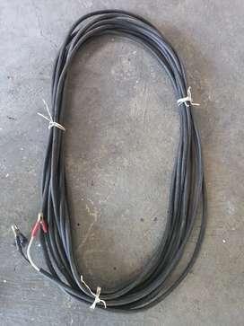 Se vende un cable grueso de 17 metros para conectar al contador un soldador o un compresor grande