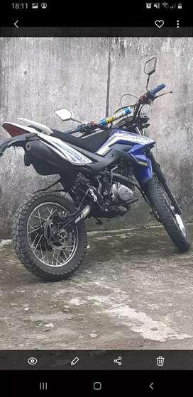Se vende una moto marca daytona cilindraje 150