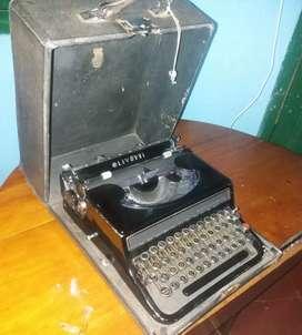 Vendo máquina de escribir olivetti italiana antigua negra