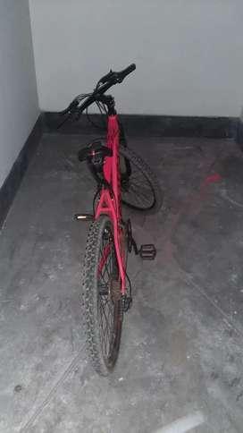Vendo biciquleta protail colo rojo casi nueva