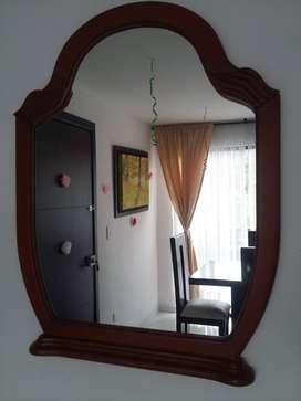 Aprovecha!! Espejo con marco de madera