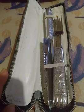 Juego cuchillo y tenedor con estuche