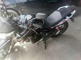 Se vende moto dukare nueva