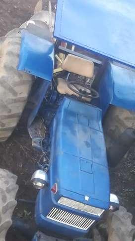 Un tractor universal 530 dt