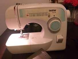 Maquina de coser brothers
