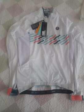 Vendo 3 Jersey de ciclismo marca safetti