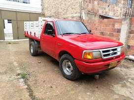 Camioneta de estacas ford ranger