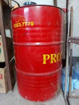 Tacho de 200 litros