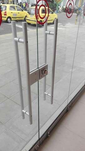 Solución Proyectos Fachadas Vidrio Puert
