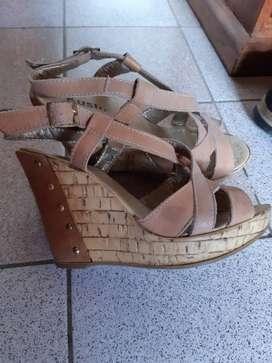 Sandalias de gamuza .