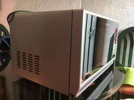 ¡Ganga! Microondas Electrolux con función Grill y descongelamiento por peso