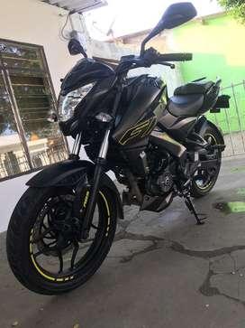 Moto pulsar NS FI sistema de frenos. ABS