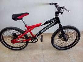 Vendo bicicleta para niño AGW freestyle rin 20