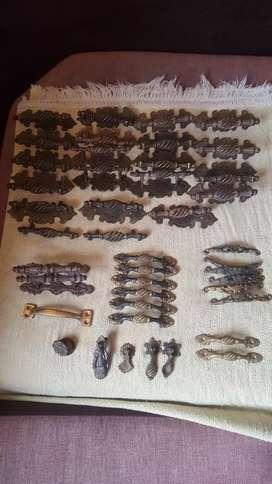 Jaladores de bronce antiguos