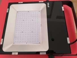 Qualumen Reflector Led de 100, 150w y 200w, 3 Años Garantía