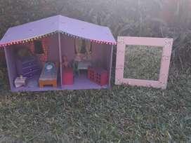 Casa de muñecas y un espejo.Las dos cosas por 1000
