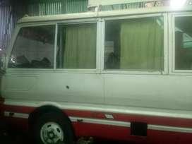 Vendo bus mitsubishi del año 1988 motor reparado targeta de propiedad a nombre