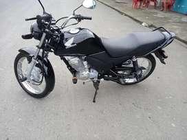 Vendo moto Honda cb1  2021  a toda prueba como nueva 3 meses de uso. cero revendones
