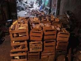 Cajón de leña dura en oferta