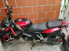 vendo moto en muy buenas condiciones