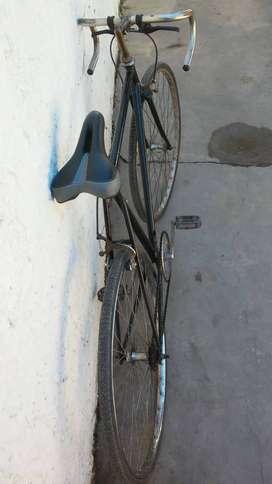 Bicicleta tipo carrera antigua rodado 28