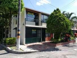 Casa esquinera excelente ubicacion, barrio arboleda, se vende puerta