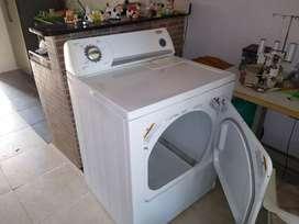 Secadora de ropa Wirpool como nueva