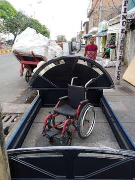 Se vende silla de ruedas para niño