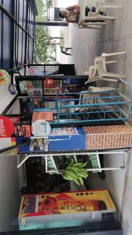 Vendo esta tienda en el barrio San antonio bien ubicado sobre la ruta de busetas con 13 años de acreditación