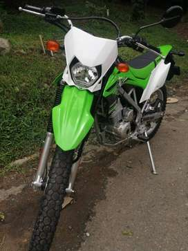 Kawasaki Klx 150 J (Como nueva)