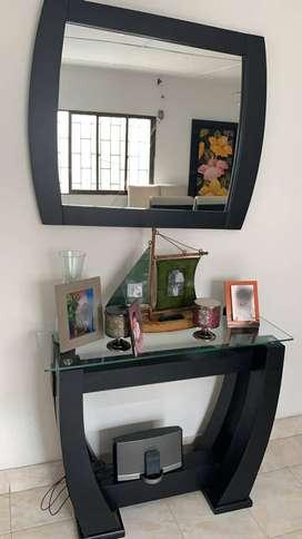 juego de mesa y espejo