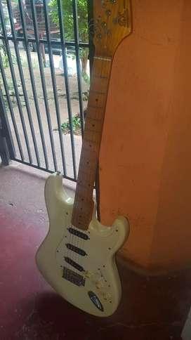 Vendo o permuto guitarra Sx