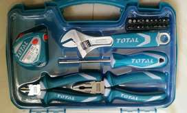 Juego de herramientas manuales TOTAL