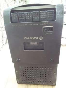 Vendo grabadora sanyo antigua