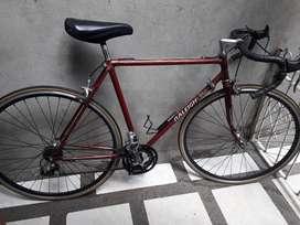 Vendo o cambio bicicleta de ruta clásica.