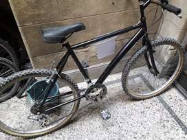 Mountain Bike rodado 26 usada excelente estado 18 cambios restaurada