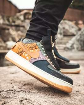 Tenis Nike Air forcé one Travis Scoot caballero
