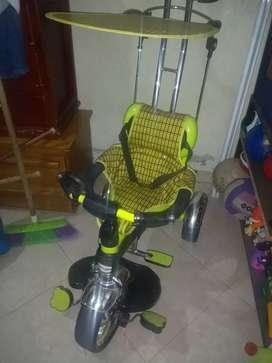 Triciclo-coche