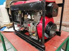 Busco trabajo. Soy tecnico en mantenimiento mecanico industrial y tengo experiencia comprobada.