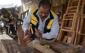 Se necesita carpintero con experiencia