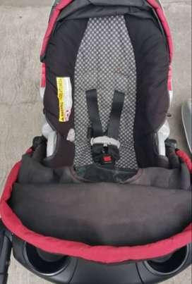 Vendo coche y silla de bebé marca Graco
