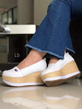 Zapatos plataforma de dama Tommy