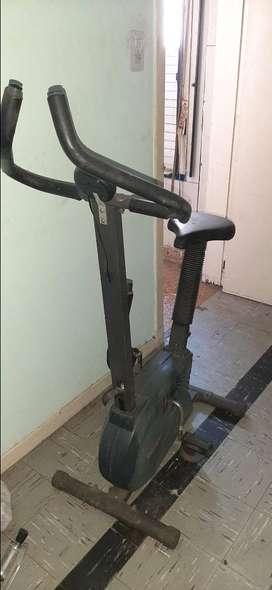 Bicicleta fija tradicional Bici ejercicio Funciona OPORTUNIDAD SE VENDE URGENTE