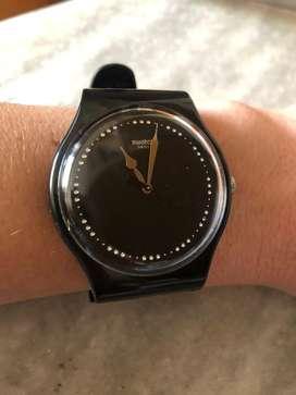 Reloj Swatch con cristales, impecable, muy  poco uso