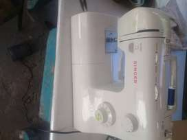 Máquina de coser poco uso