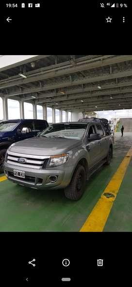 Ford Ranger perfecto estado con equipamiento estribos y antivuelco