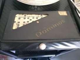 Domino en estuche