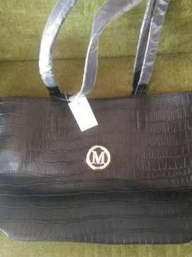 Bolso negro hermoso M nuevo