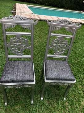 Juego de sillas antiguas y finas